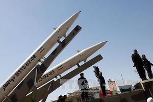 Iran đẩy mạnh năng lực tên lửa khi Mỹ sắp giáng đòn trừng phạt mới
