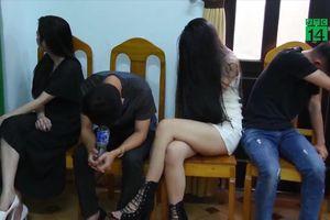 Bắt quả tang bà bầu cùng hàng chục dân chơi Bình Thuận thuê biệt thự bay lắc xuyên đêm