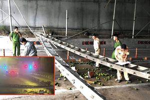 Công an làm việc với tài xế xe tải tông sập mái che hầm Thủ Thiêm