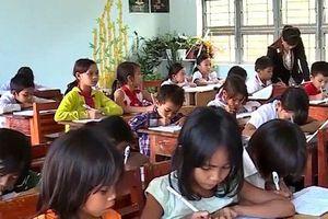 Thiếu hàng trăm giáo viên, phụ huynh đành thuê riêng giáo viên về dạy