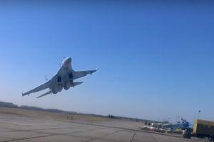 Phi công Mỹ tử nạn vì cầm lái Su-27