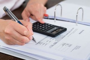 Doanh nghiệp phân phối có được làm đại lý bảo hiểm?