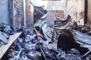Cháy cửa hàng đồ chơi ở Cà Mau