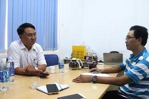 Giám đốc Xí nghiệp quản lý bãi rác Khánh Sơn và một bảo vệ đã phải xin lỗi