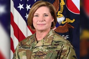 Nữ tướng Hoa Kỳ làm nên lịch sử mới trong quân đội