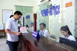 Chánh Văn phòng Ban chỉ đạo Cải cách hành chính của Chính phủ làm việc với TP. Vinh