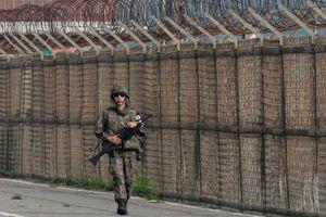 Đối thoại 3 bên bàn việc phi quân sự ở biên giới Hàn - Triều