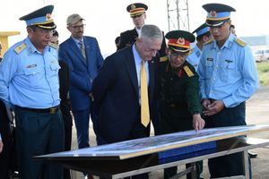 Điểm nhấn trong chuyến thăm Việt Nam của Bộ trưởng Quốc phòng Mỹ