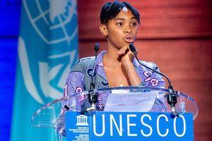 Tổng Giám đốc UNESCO giao quyền đại diện sự kiện cho một cô gái trẻ