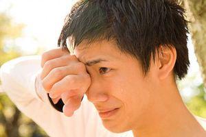 Con trai cũng có quyền được khóc