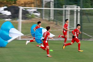Cập bến Hàn Quốc thầy trò Park Hang-seo có buổi tập đầu tiên tại Paju