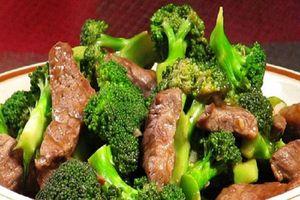 Súp lơ xanh xào thịt bò - món ăn tăng sinh lý nam giới hiệu quả