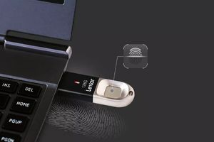 USB 3.0 mới của Lexar có thể lưu tới 10 ID dấu vân tay