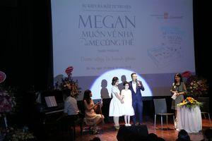 'Megan muốn về nhà và mẹ cũng thế' - cuốn tự truyện xúc động