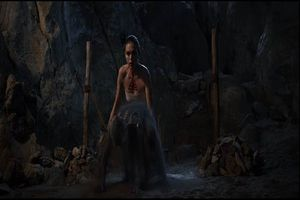 'Người tình quỷ ám' công bố trailer khiến khán giả rợn tóc gáy