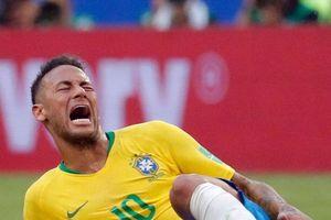 Neymar bị chế clip dù chỉ vấp ngã trong buổi tập