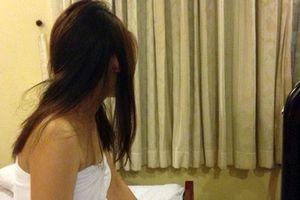 Bắt quả tang 2 cô gái nước ngoài bán dâm ở Nha Trang