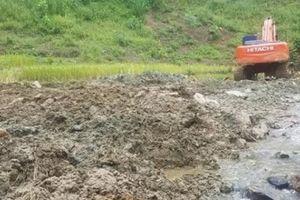Phú Thọ: 'Đá tặc' lộng hành, xuyên rừng, lấp ruộng đào đá
