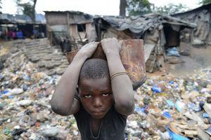 Gần 50% dân số thế giới có thu nhập dưới chuẩn nghèo