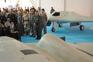 UAV của Iran lượn lờ trên tàu chiến Mỹ ở vùng Vịnh