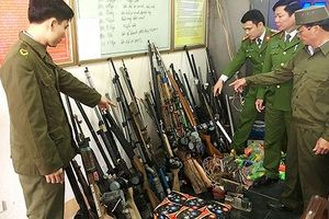 Thu hàng trăm khẩu súng trong nhà dân