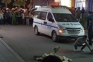 Kinh hoàng: Bé sơ sinh rơi xuống từ tầng cao của nhà HH Linh Đàm