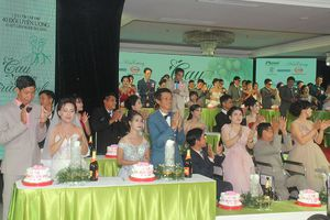 Ấm áp lễ cưới đặc biệt dành tặng các cặp đôi khiếm khuyết cơ thể