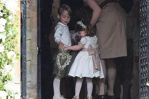 Ngắm hoàng tử và công chúa nước Anh trong trang phục phù dâu