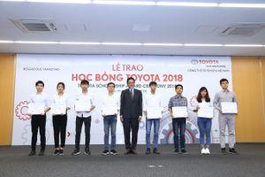 115 sinh viên xuất sắc của 16 trường đại học được nhận Học bổng Toyota 2018