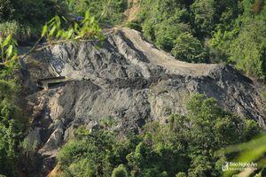UBND tỉnh chỉ đạo xử lý thông tin 'bom bẩn' vẫn treo trên núi Lan Toong