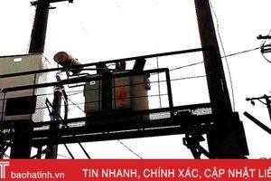 Hương Khê: Sét đánh cháy 2 trạm biến áp, hàng chục hộ dân mất điện