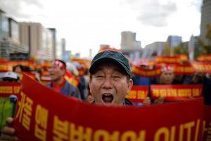 Hàn Quốc: Hàng chục nghìn lái xe taxi phản đối dịch vụ đi chung xe