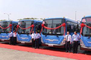 TP.HCM: Xe buýt sạch lao đao vì chưa có tiền trợ giá