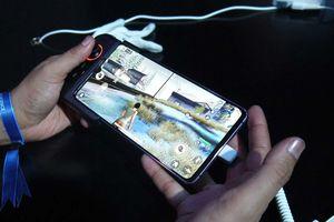 Huawei trình làng điện thoại chơi game cỡ khủng