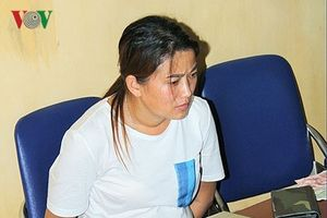 Lào Cai: Bắt 'nữ quái' vận chuyển 10 bánh heroin