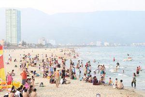 Du khách Trung Quốc tử vong do đột quỵ khi tắm biển Đà Nẵng