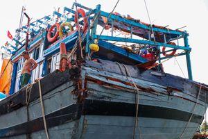 Thuyền trưởng kể lúc bị tàu lạ tông trên biển Hoàng Sa