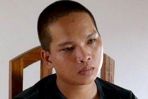 Bắt 9X bảo kê bán hàng rong ở Nha Trang