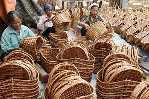 Xuất khẩu thủ công mỹ nghệ: Gặp khó vì thiếu nguyên liệu