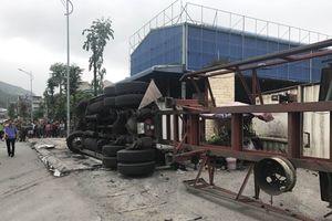 Xe container gây tai nạn liên hoàn, 4 người thương vong