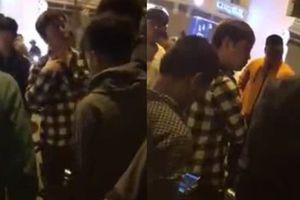 Trả lại ĐTDĐ cho người Hàn, thanh niên ở Hà Nội bị bắt quỳ gối xin lỗi