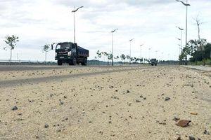 Quảng Ngãi: Hết mùa xe chở cát lộng hành mới ra văn bản chấn chỉnh