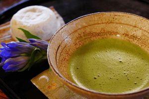 Uống trà matcha vào mùa thu đông bạn sẽ được lợi gì?