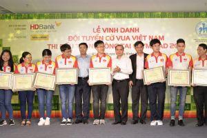 Nam A Bank thưởng 20.000SUD cho đội tuyển cờ vua Việt Nam tại Olympiad 2018