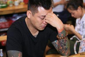 Tuấn Hưng thừa nhận 'đang kiệt quệ' với bạn thân