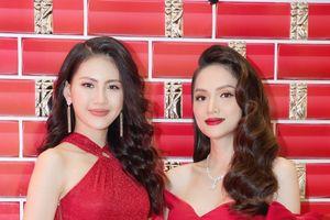 Hoa hậu Hương Giang và học trò đọ sắc bất bại với thời trang đỏ rực