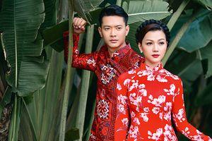 Hoa hậu Thái Nhiên Phương và siêu mẫu Hồ Đức Vĩnh sóng đôi mặc áo dài chúc mừng ngày Phụ nữ Việt Nam