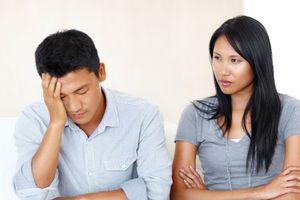 Uất nghẹn khi bị vợ khinh là kẻ không kiếm ra tiền