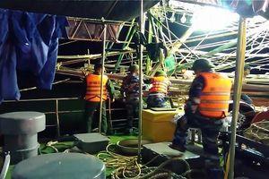 Quảng Bình: Cứu sống 5 ngư dân gặp nạn trên biển