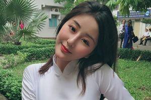 Nữ sinh 10X Sài thành đẹp tinh khôi, nổi tiếng với cái tên lạ